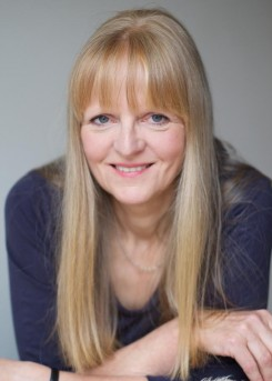 Historical Writers Association member - Ruth Downie
