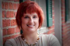 Historical Writers Association member - Nicole Evelina